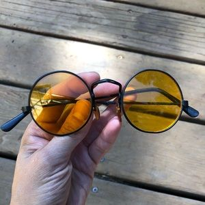 Vintage 70s yellow sunglasses